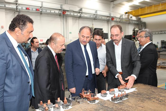 Manisa Valisi Erdoğan Bektaş ve Çalışma Bakanlığı Müsteşarı'nın Firmamıza Ziyareti - 17/10/2014